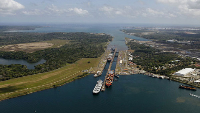 Panama's Cabinet Council Approves Panama Canal To