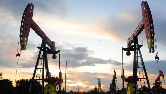 China's 2019 and December crude oil runs hit record